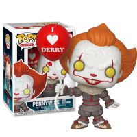 Pennywise with a balloon - IT 2