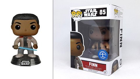 85 Finn w/ lightsaber (Star Wars)